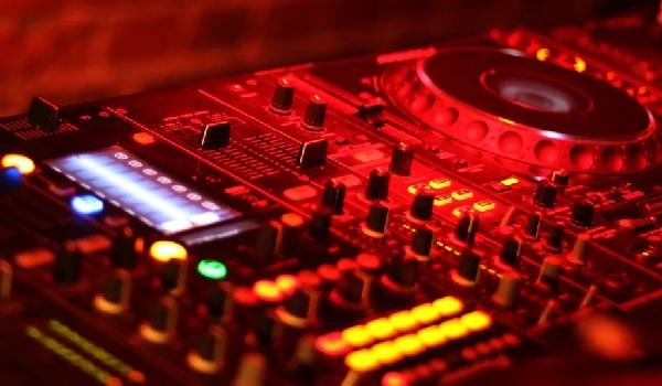 80er 90er Party Tangstedt Disco Feiern Veranstaltungskalender Die Norderstedterin