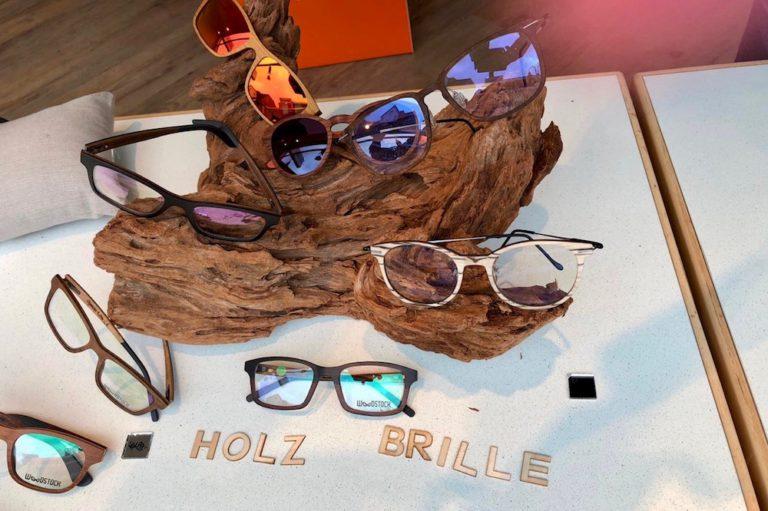 Brille & Kunst Brille und Kunst BRILLE& Kunst Olaf Geisler Petra Geisler Pinneberg Gleitsichtbrille Holzbrille Dingstätte