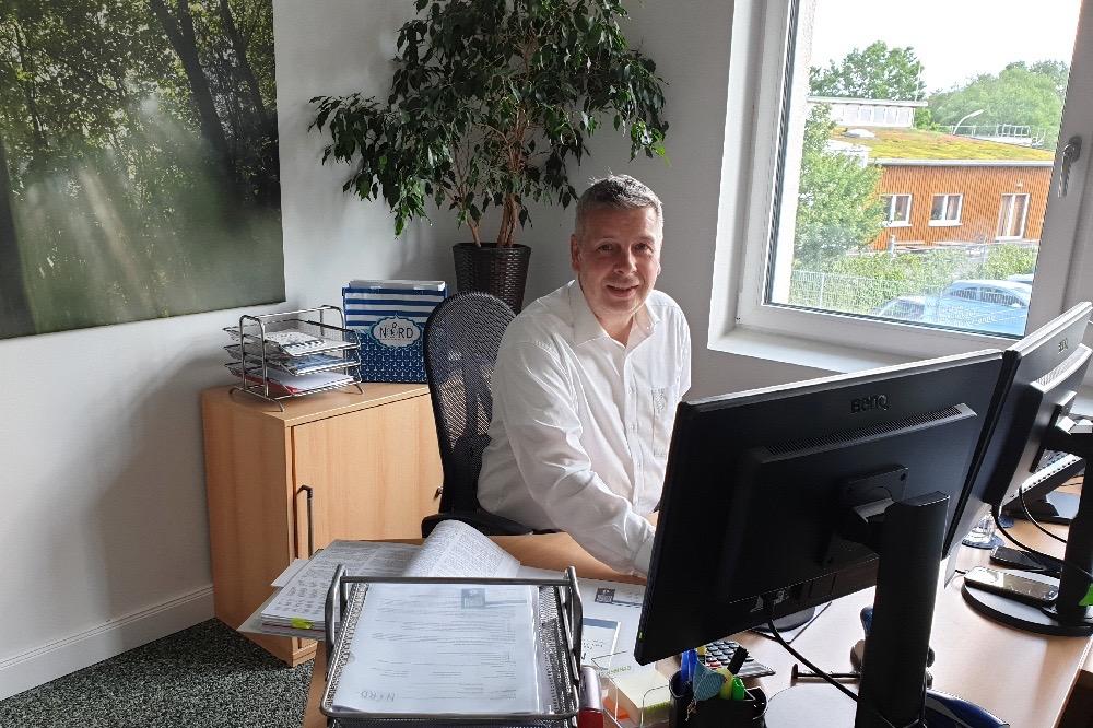 Finanzberatung Nord Pinneberg Finanzdienstleister Versicherungsmakler Finanzdienstleistungen Baufinanzierung Versicherungen Finanzkompass Mitarbeiter Verstärkung gesucht Versicherungskaufmann Azubi Innendienstmitarbeiter