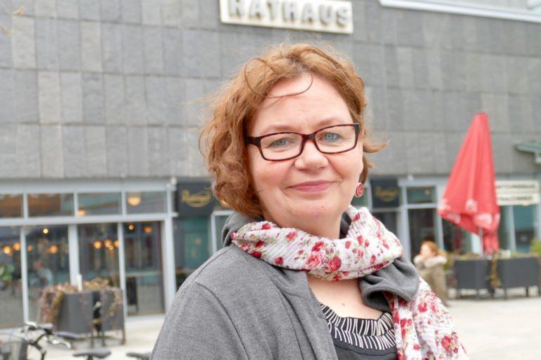 Gleichstellungsbeauftragte Stadt Pinneberg Deborah Azzab-Robinson Weltfrauentag 2019 8. März Equal Pay Day