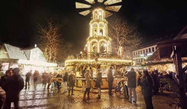 Pinneberger Weihnachtsdorf 2019 die Norderstedterin Drostei Pinneberg