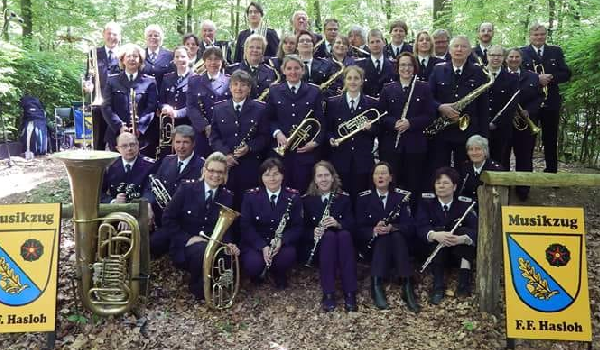 Pfingstwald Hasloh Musikzug Feuerwehr